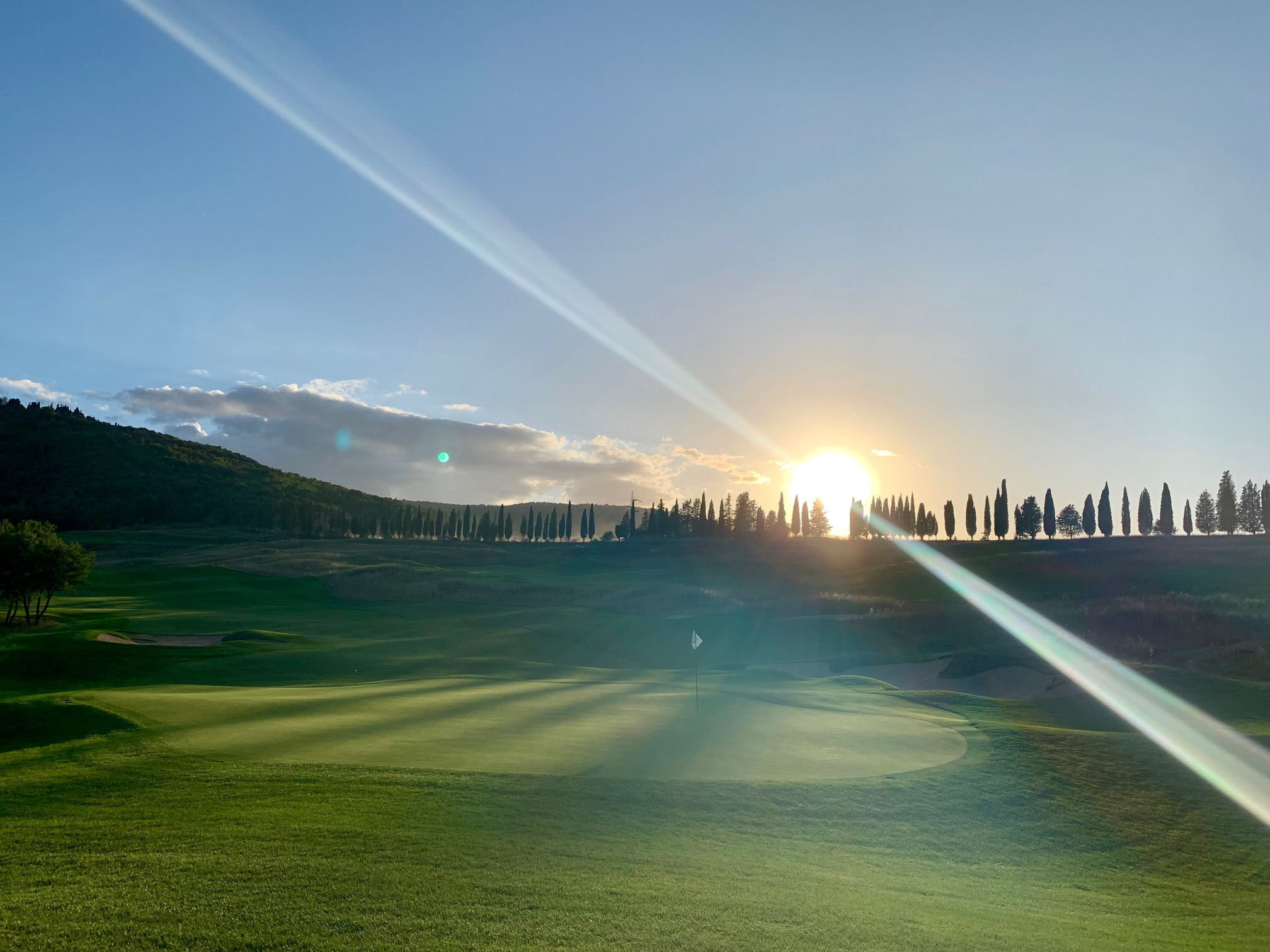 Golfbaan met boompjes